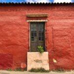 fachadas de colores, arquitectura de mexico, herreria en ventana