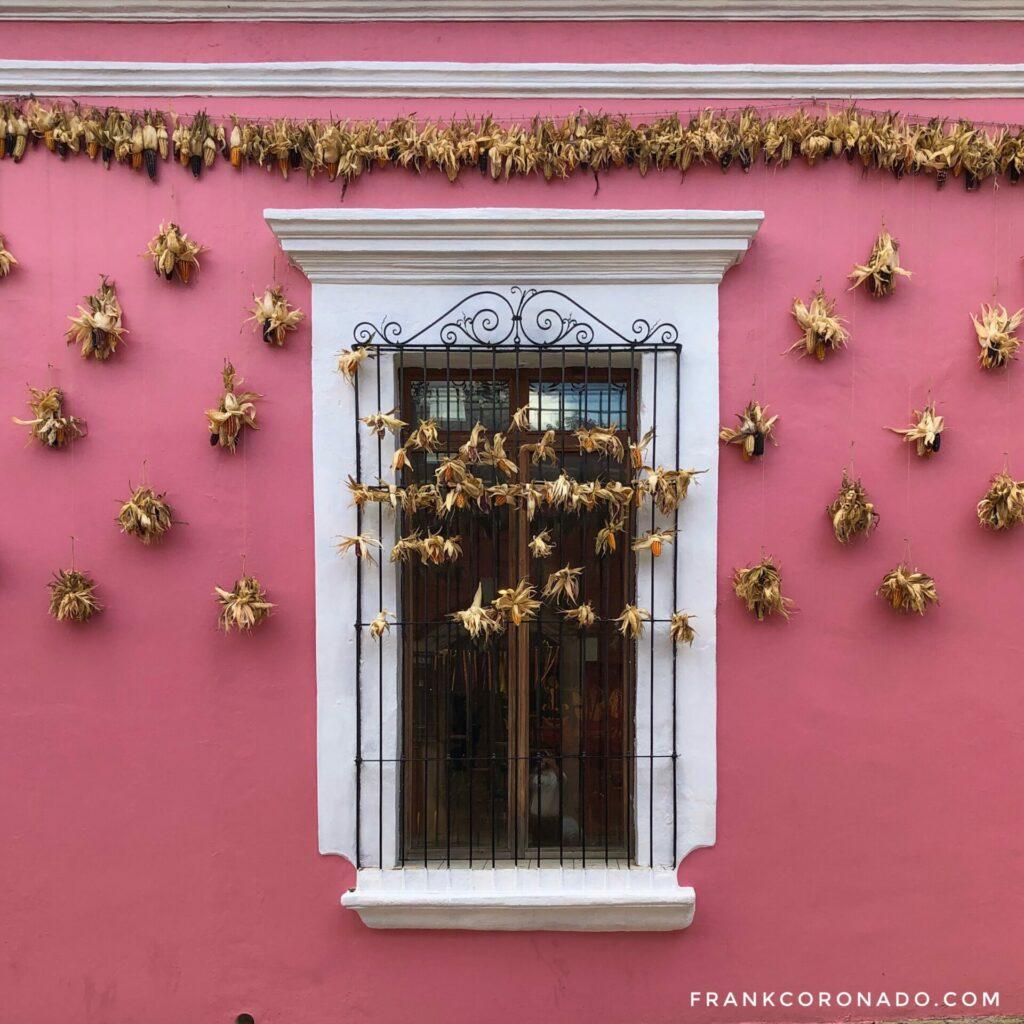 fachadas coloniales, casas de colores