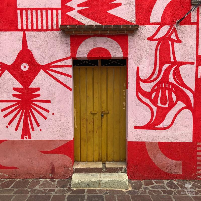 casa barrio oaxaca, fachadas de oaxaca, casas coloridas