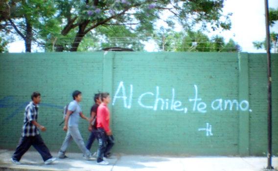 foto callejera frase en muro