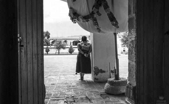 mujer de teotitlan de valle Oaxaca