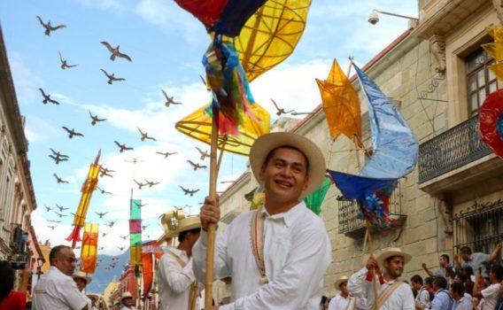 Convite de Guelaguetza en Oaxca