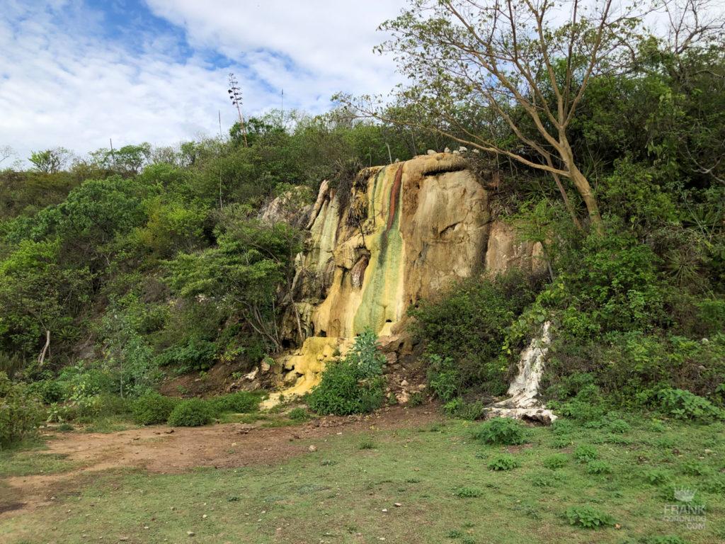 nueva cascada en hierve el agua