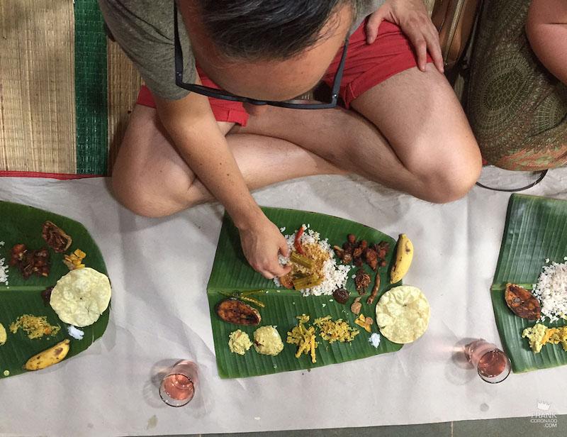 comer en la india con las manos