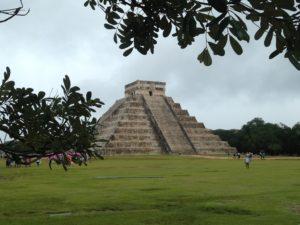 El Castillo en Chichén Itzá Yucatán Mayas