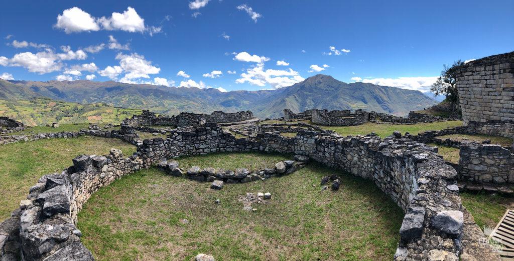 vista panoramica de la ciudadela de kuelap