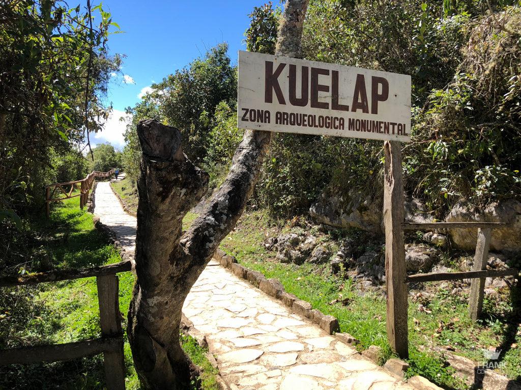 sendero de entrada a zona arqueologica kuelap