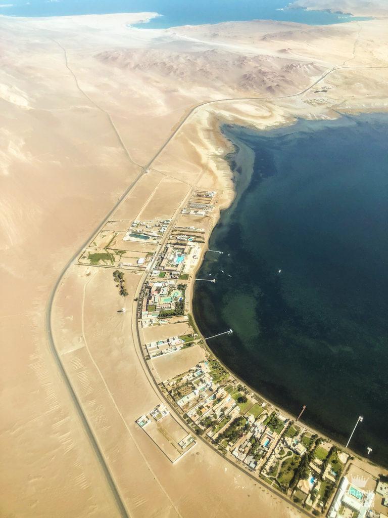 vista aerea de la bahia de paracas peru