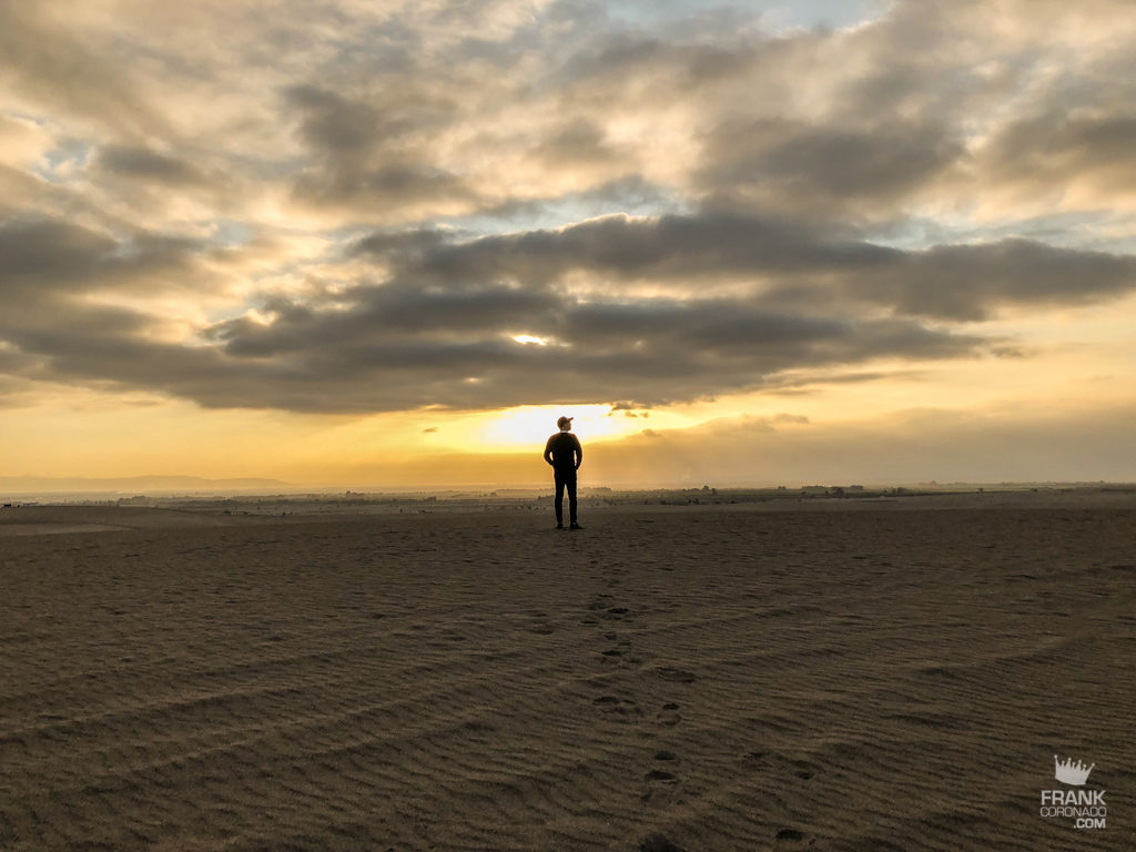 atardecer en el desierto de ica en peru