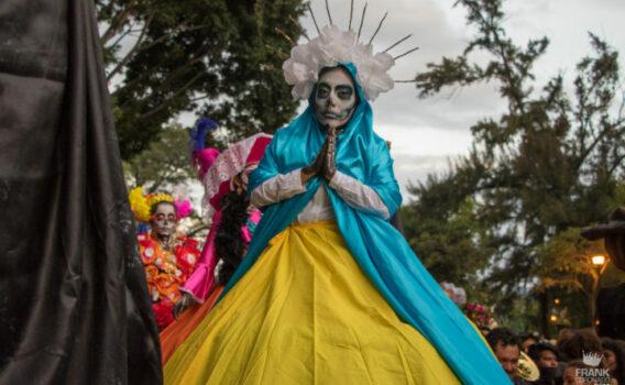comparsa dia de muertos, fiestas en oaxaca