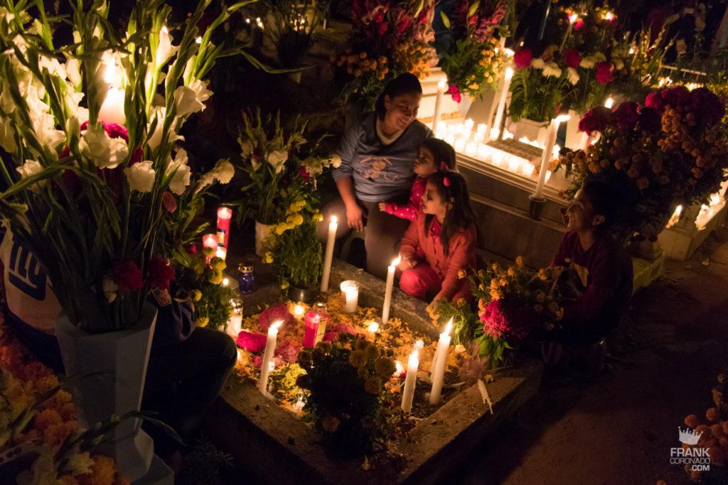 Panteones de oaxaca, dia de muertos, celebraciones mexicanas