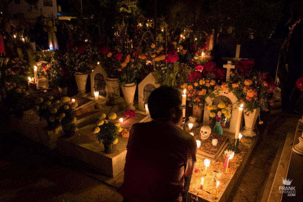 dia de muertos, panteones en xoxocotlan, dia de muertos en oaxaca