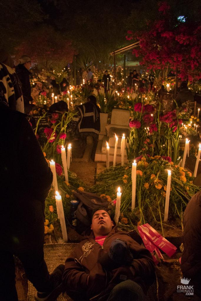 dia de muertos en los panteones de oaxaca