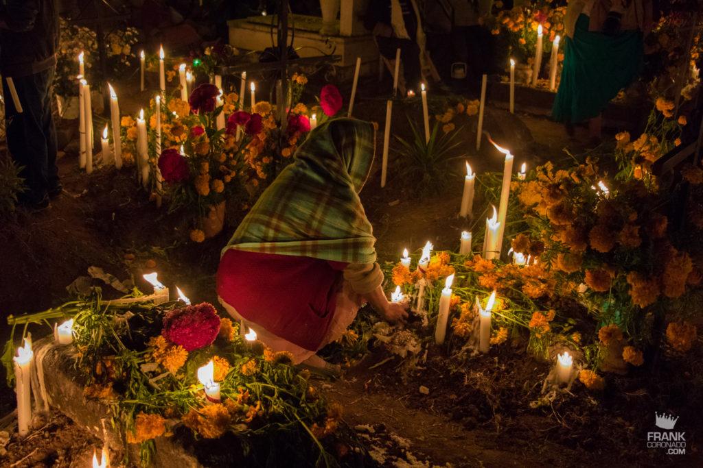 dia de muertos en oaxaca, panteones en mexico, celebraciones de oaxaca
