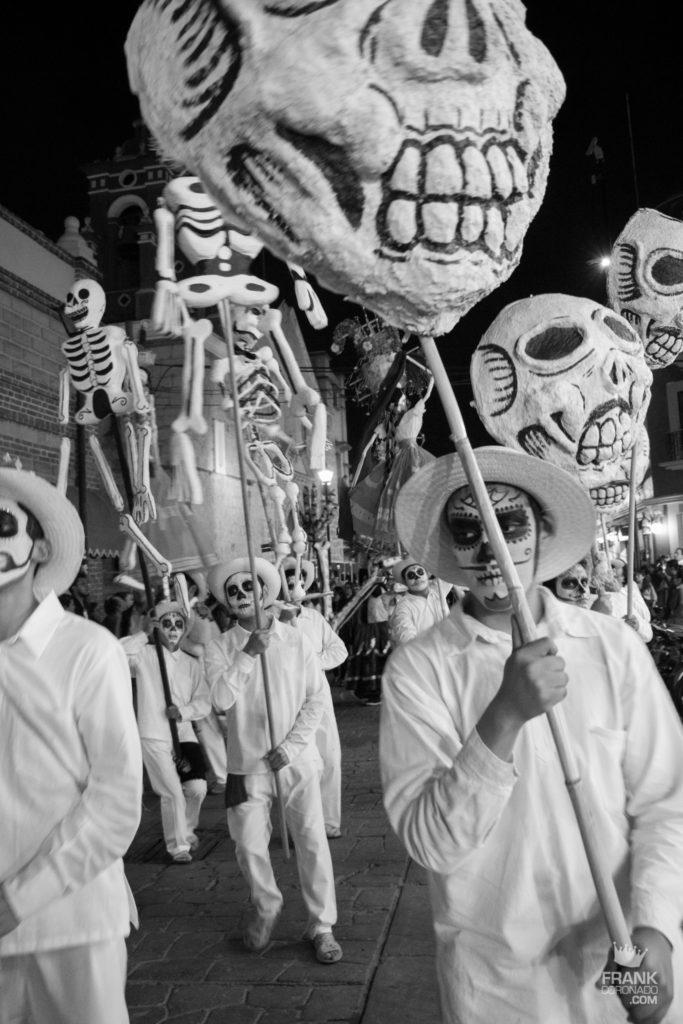 fiestas de oaxaca, la muerte, comparsas en oaxaca