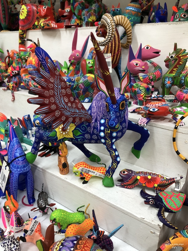 artesanias de oaxaca, que comprar en mexico, figuras de madera