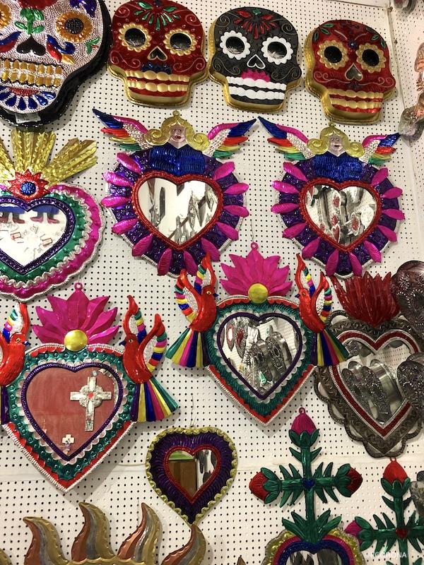 artesanias de corazones, trabajo de ojalata, artesanias oaxaqueñas