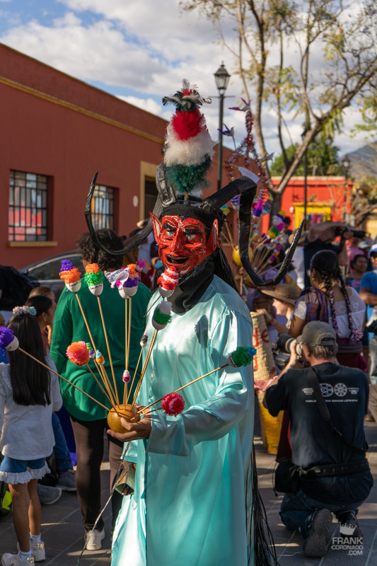 disfraz de carnaval, traje diablo zaachila, que hacer en oaxaca