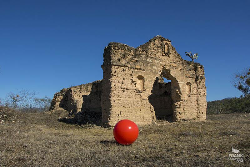 casa de adobe en ruinas