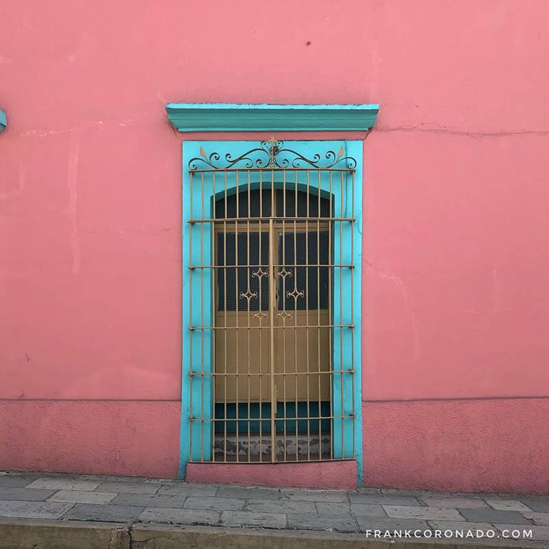 casa de colores pastel