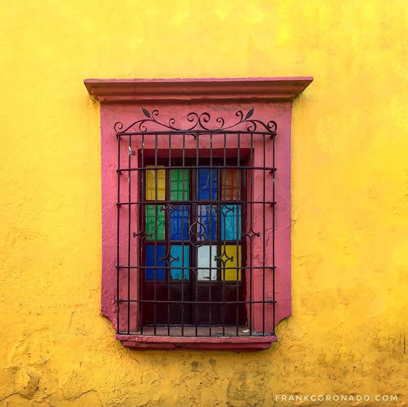 fachadas coloridas de oaxaca