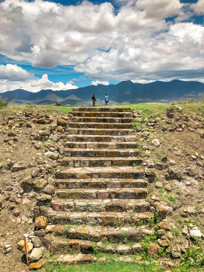 escalinatas yagul