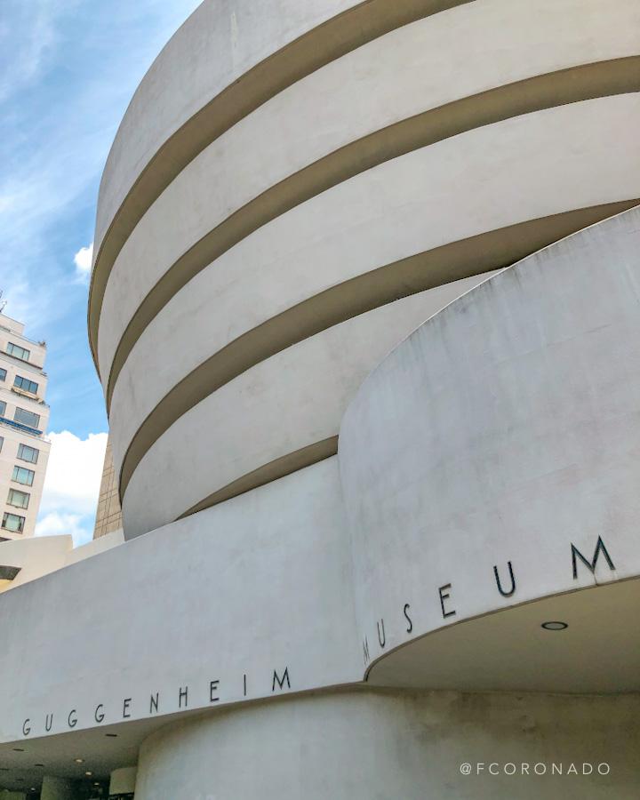 museo guggenheim de nueva york por Frank Lloyd
