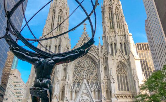 Catedral en Nueva York frente a Rockefeller Center