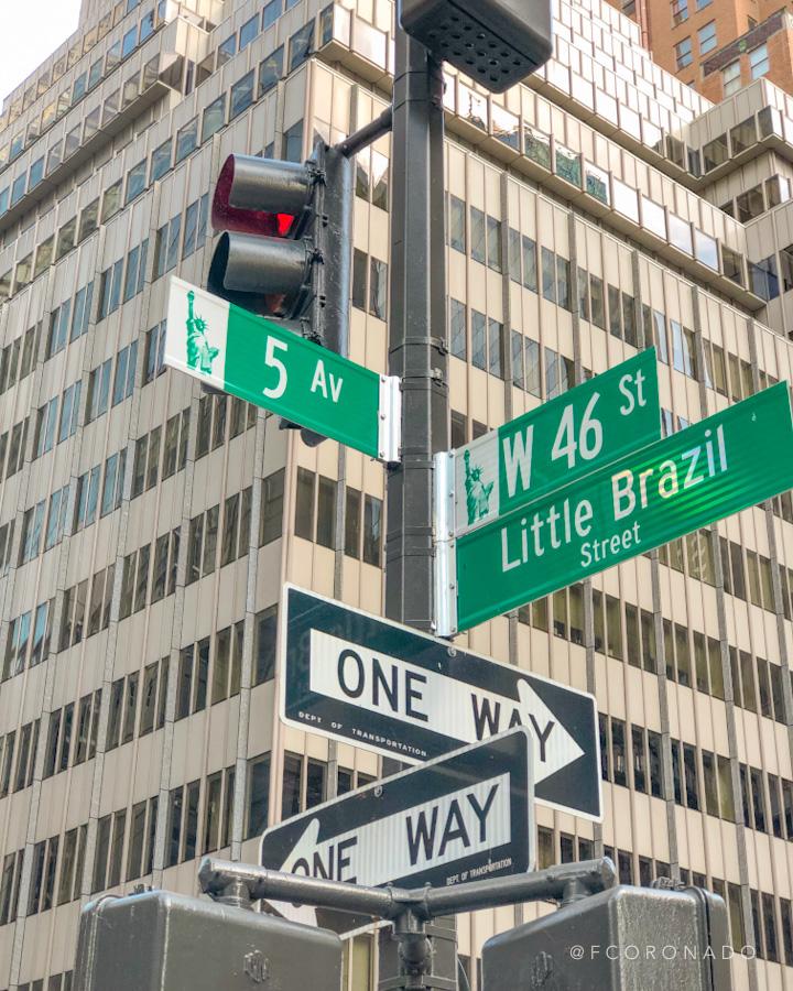 letreros de la 5a avenida de nueva york